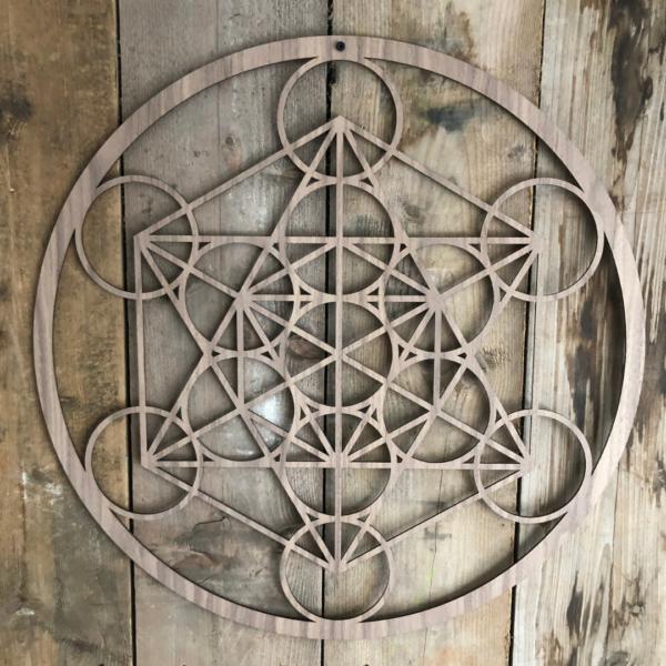 De kubus van Metatron noten wanddecoratie 59 cm